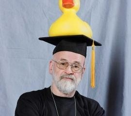 terry-pratchett_x270